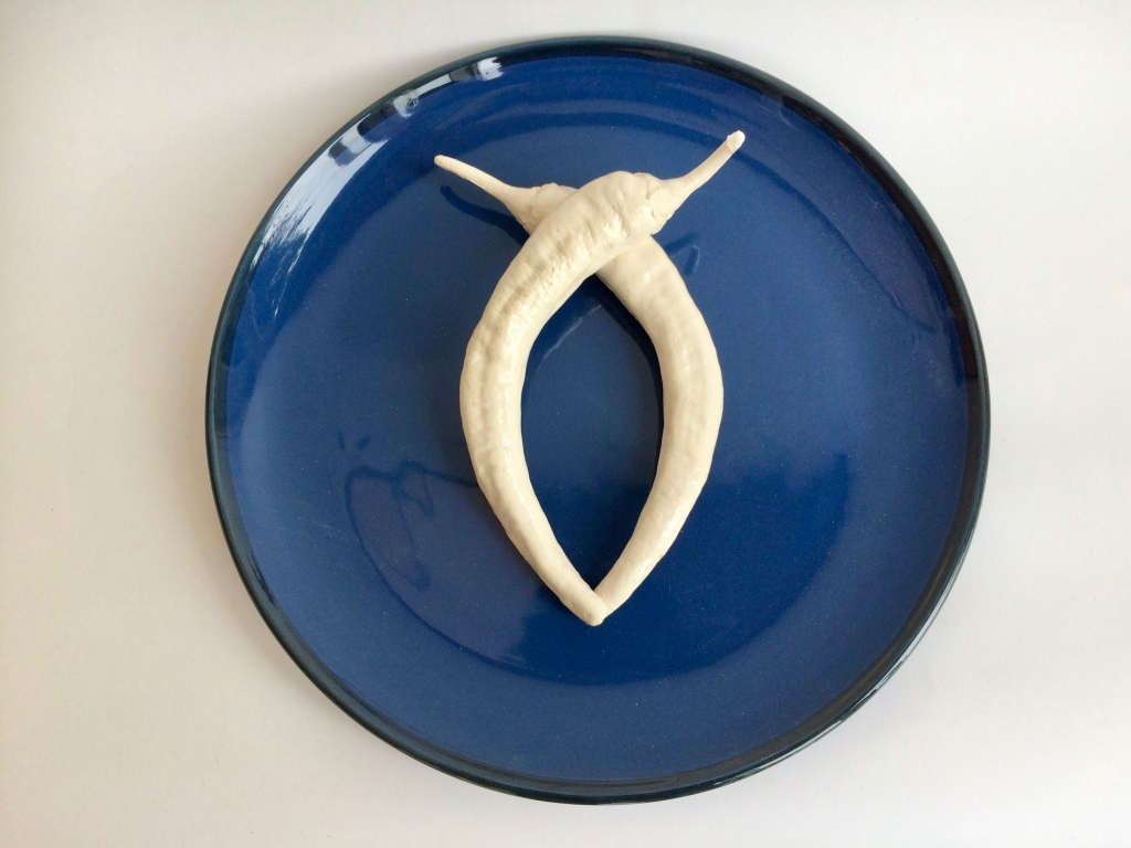 Ghost chillies on blue plate - Horn 2019